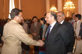 Islamabad workshop: Pres Musharraf greets participants